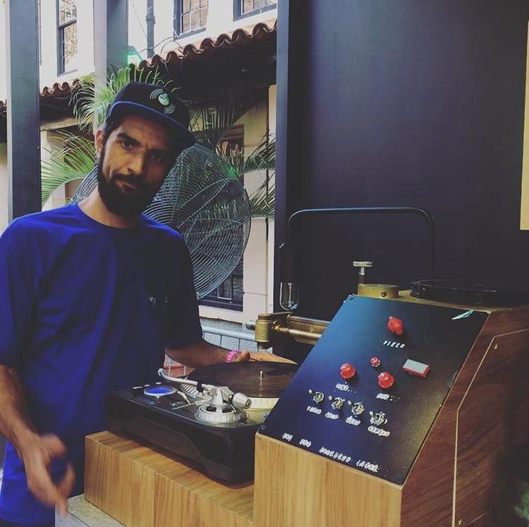 Vinil personalizado e em tempo real |  Vinyl Lab